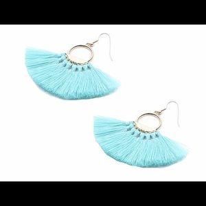 Jewelry - Teal fan/fringe earrings.
